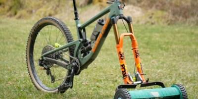 Video: Stefan Mueller Turns His Bike into a Lawnmower 2