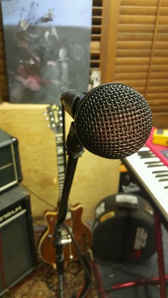Hexa's microphone