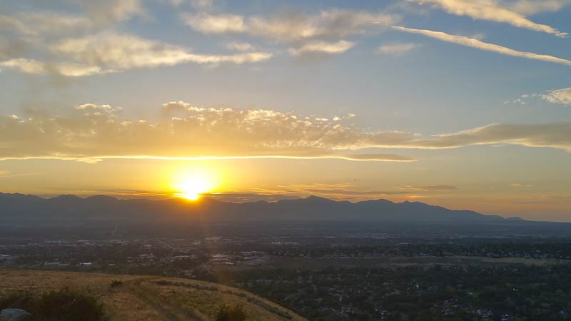 light-and-motion-seca-review-valley-view-sunset