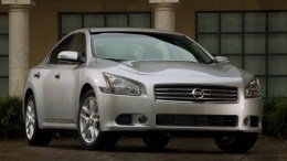Nissan screaming 'Maxima is back' with 2009 model