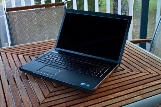 review dell vostro 3700 with core i5 geardiary. Black Bedroom Furniture Sets. Home Design Ideas