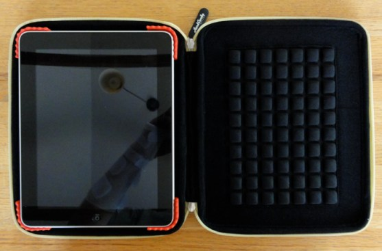 GearDiary Hard Candy Bubble Sleeve For iPad- Review