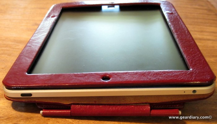 geardiary-orbino-padova-ipad-case-in-use-6