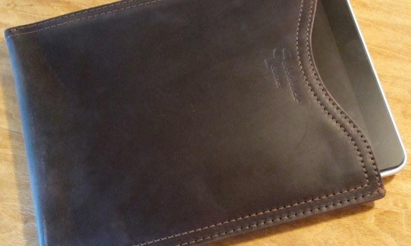 geardiary-saddleback-leather-ipad-sleeve-5