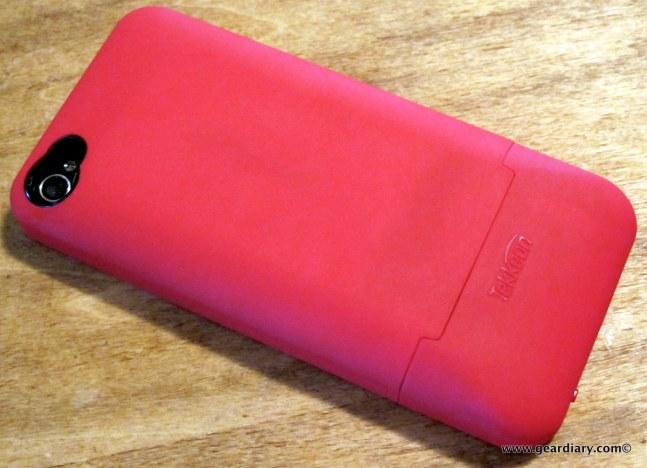 geardiry-tekkeon-mypower-iphone-extended-battery-case-1