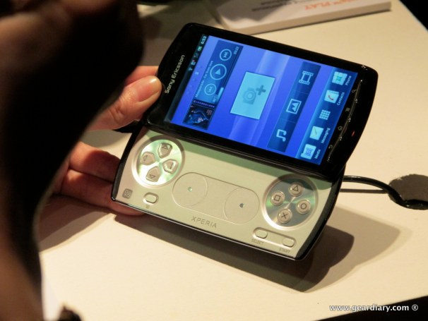geardiary-chipchick-sony-ericsson-mobile-word-congree-pro-neo-play-81