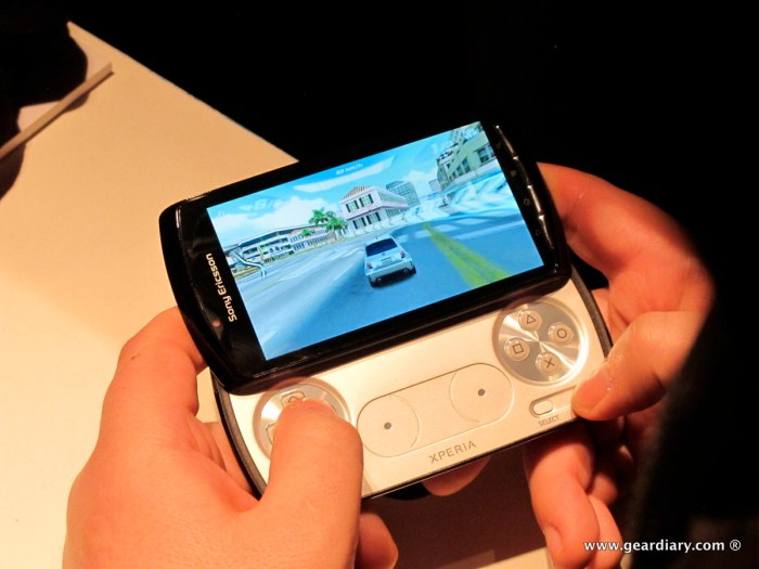 geardiary-chipchick-sony-ericsson-mobile-word-congree-pro-neo-play-97