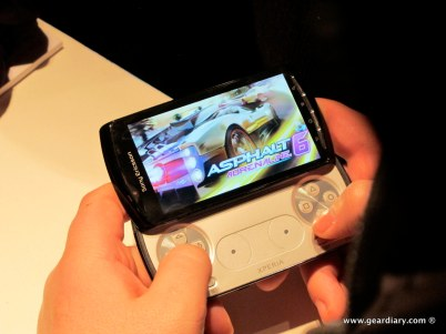 geardiary-chipchick-sony-ericsson-mobile-word-congree-pro-neo-play-99