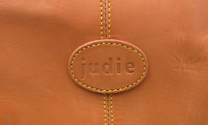 geardiary-aligata-custom-travel-bag-nude-beauty-raw-leather-7