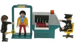 """Playmobil Teaches Kids About The Real World With """"Security Checkpoint"""" and """"Safe Crackers"""" Sets"""