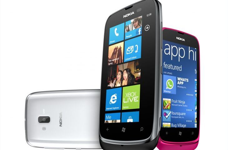 700-nokia-lumia-610-group