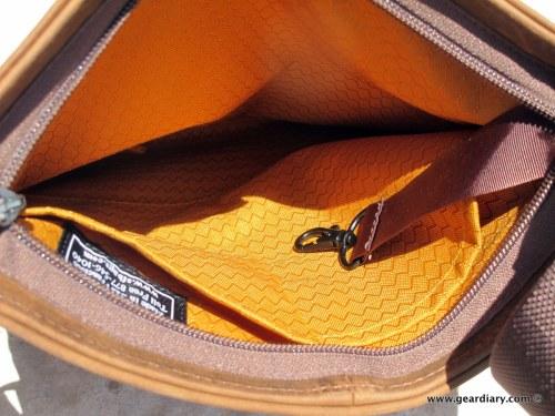geardiary-waterfield-indy-ipad-bag-008
