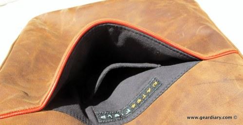 geardiary-waterfield-indy-ipad-bag-pockets-001
