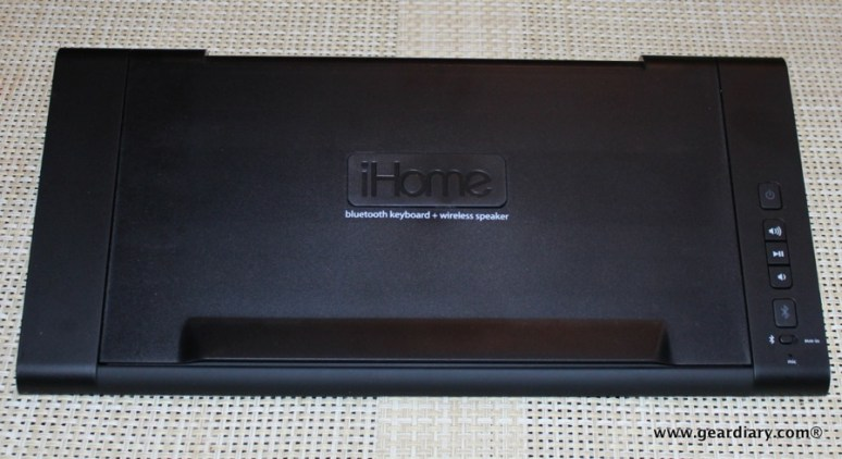 Gear-Diary-iHome-iDM5-Bluetooth-Keyboard-Speaker-System-009.JPG