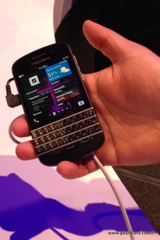 The Q10 doesn't look too big or unwieldy!