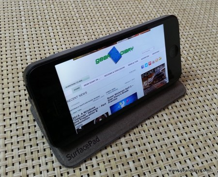 Gear Diary Twelve South SurfacePad for iPhone 015