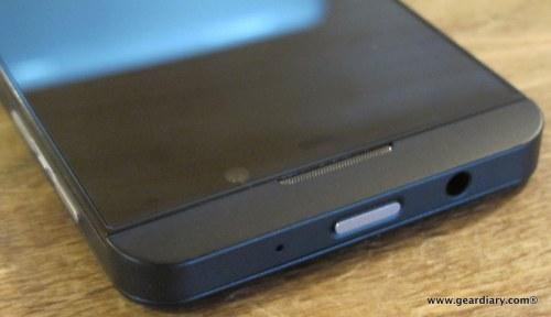 13-geardiary-blackberry-z10-smartphone-012