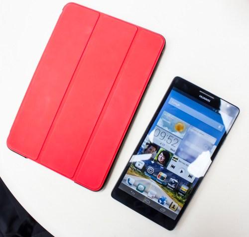Huawei Ascend Mate with an iPad mini