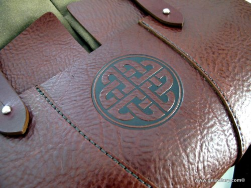 """Oberon Design Laptop Messenger Bag 13"""" Review - One Leather and Canvas Bag to Rule Them All"""