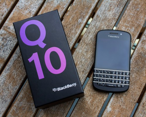 BlackBerry Q10 Review - The Return of the QWERTY King