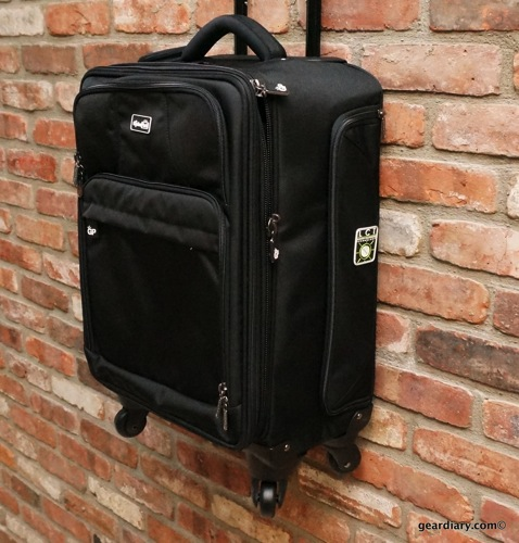 """Genius Packer 22"""" Carry-On Review- Not Just for Mensa Members"""