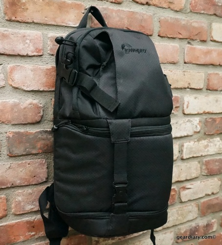 IMAGE: https://i1.wp.com/geardiary.com/wp-content/uploads/2013/08/Lowepro-DSLR-Video-Fastpack-150-AW.54.jpg?resize=454%2C500&ssl=1