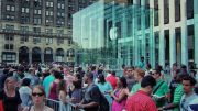 More Than a PR Gimmick, Apple Sells a Record 9 Million iPhone 5s and 5c In Opening Weekend