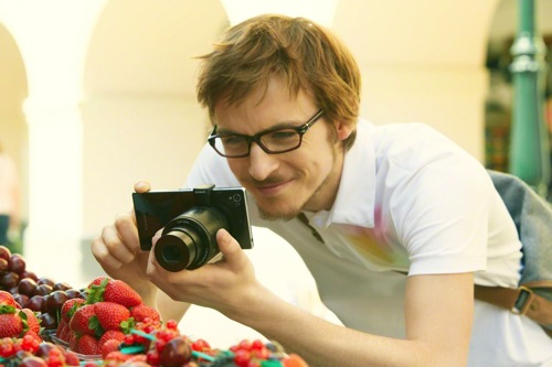 """Sony QX Series """"Lens-Style Cameras"""" Take Mobile Photography to a New Level"""