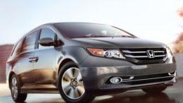 2014 Honda Odyssey Minivan Sucks in a Really Good Way