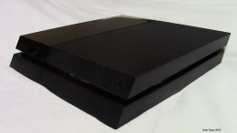 PlayStation 4 Game Console Review