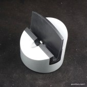 Henge Dock Gravitas Lightning Is an Award Winner for Good Reason