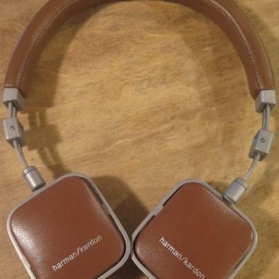 geardiary-harman-kardon-soho-on-ear-earphones-015