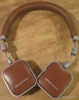 GearDiary Harman Kardon Soho On-Ear Mini Headphones - Refined and Portable Performers