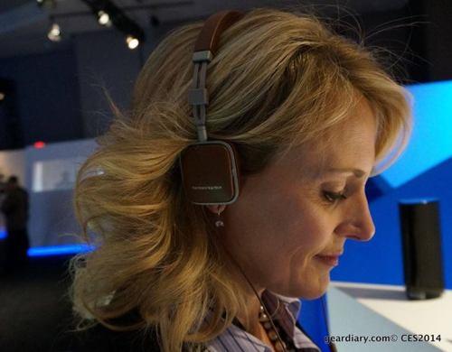 judie-lipsett-stanford-gear-diary-harman-kardon-soho-headphones