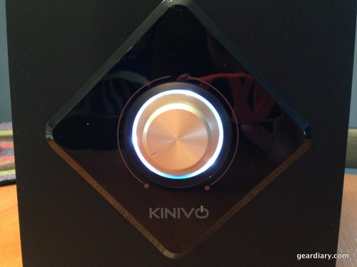 A look at the LED ring around the volume knob with the system powered on.