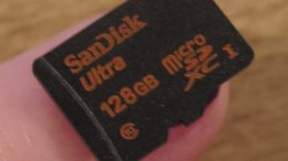 The 128GB SanDisk MicroSDXC Is a Tiny Powerhouse