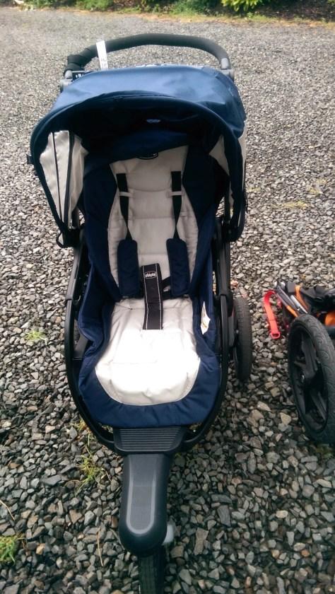 chicco activ3 jogging stroller a fantastic all around stroller geardiary. Black Bedroom Furniture Sets. Home Design Ideas