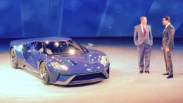 Ford Wows Detroit with new GT Supercar at NAIAS