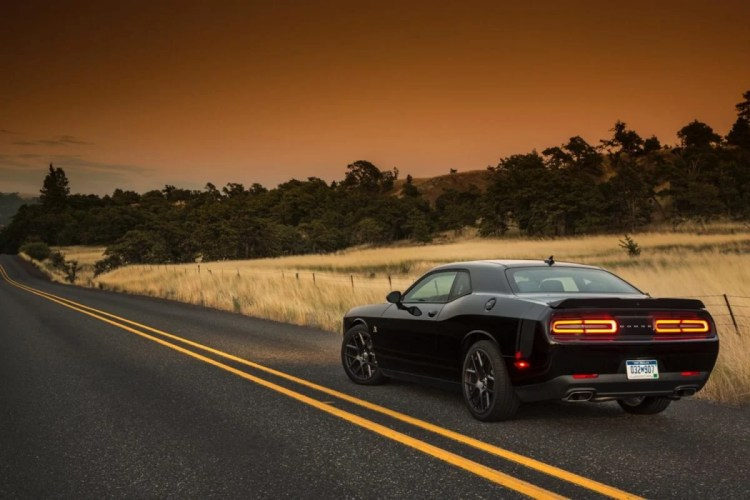 GearDiary 2015 Dodge Challenger Scat Pack: No Hellcat but still Hell on Wheels