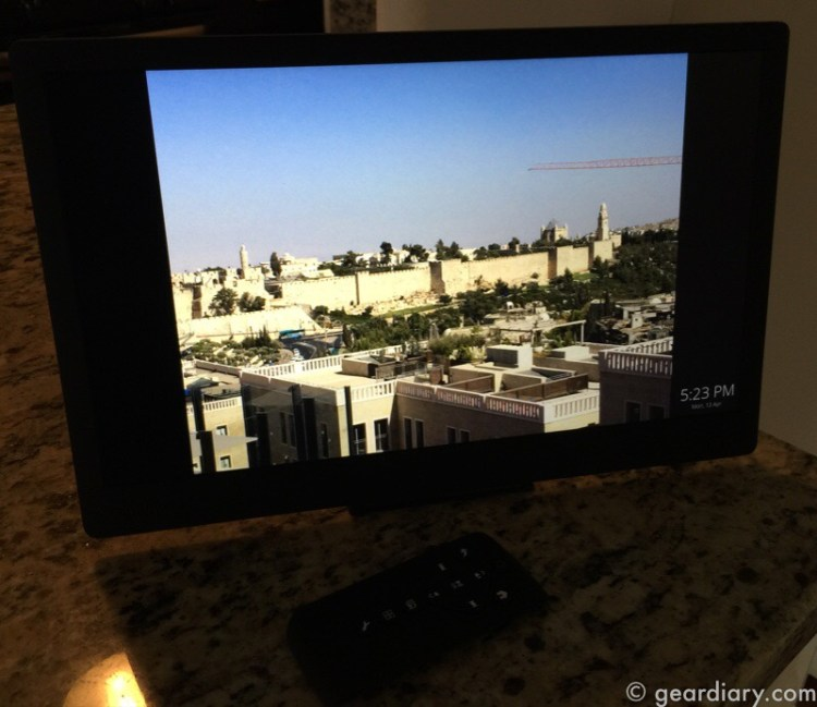Nixplay Edge 13 Inch Digital Cloud Frame Is Picture Perfect