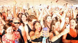 They Hate Us Cause They Ain't Us: US Festivals Ban Selfie Sticks