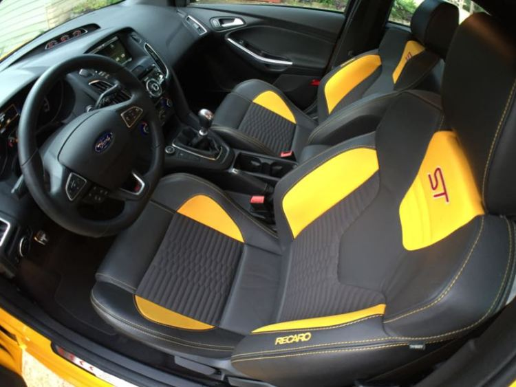 GearDiary 2015 Ford Focus ST Offers a Dynamic Driving Experience