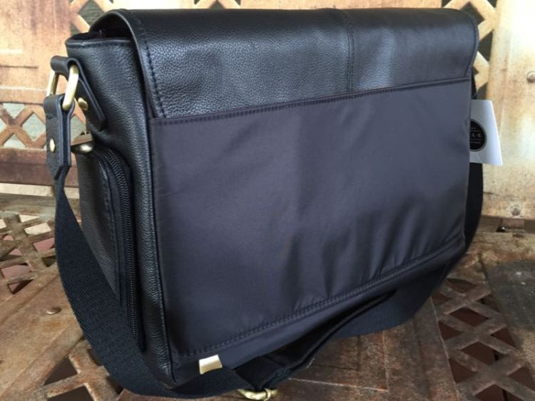 "Jill-e Designs Sasha 15"" Leather Laptop Bag is Fashionable Functionality"