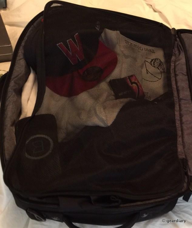 Incipio's Weekender Bag Is a Classy Way to Get Away