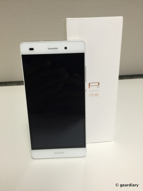 GearDiary Huawei's P8 Lite Is a Premium Mid-Tier Smartphone, but Is It Worth It?