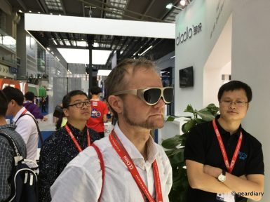 GearDiary DloDlo Glass V One Virtual Reality Glasses: Vaporwear? Or the World's Smallest VR Headset?