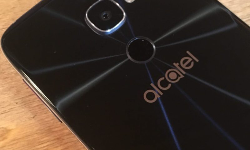 28-Alcatel IDOL 4S and VR Combo 2715x3019