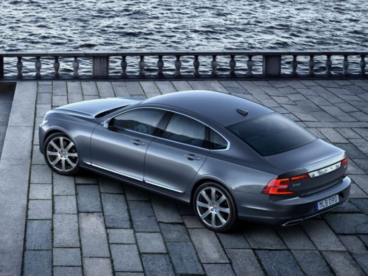 2017 Volvo S90: The New Viking Flagship