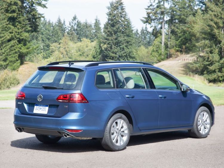 GearDiary 2017 VW Golf Sportwagen Great Alternative to the Compact Crossover