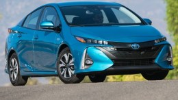 GearDiary 2017 Toyota Prius Prime Plug-in Helps You Cut the Cord at the Pump